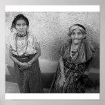 Mujeres mayas mayores poster