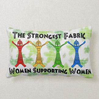 Mujeres que apoyan a mujeres cojín