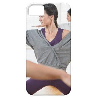 Mujeres que hacen aeróbicos funda para iPhone SE/5/5s