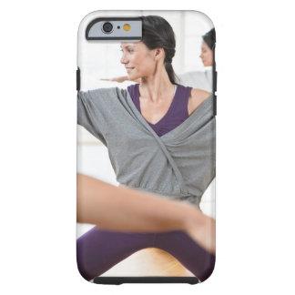 Mujeres que hacen aeróbicos funda resistente iPhone 6