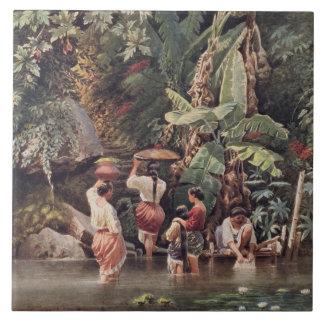 Mujeres que se lavan debajo de un árbol de plátano azulejo cuadrado grande