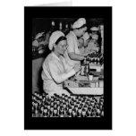 Mujeres que trabajan en la planta WWII de las muni