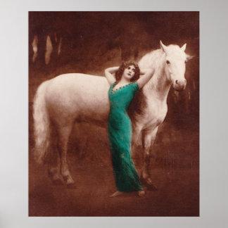 Mujeres románticas del Victorian con el caballo bl Póster