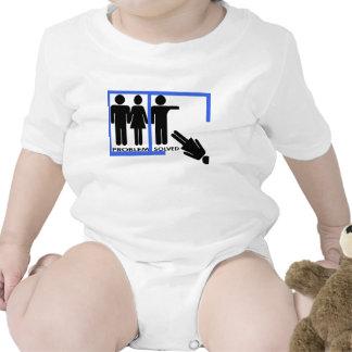 Mujeres solucionadas problema descargadas hacia trajes de bebé