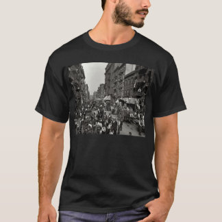 Mulberry Street in New York City, ca. 1900 T-Shirt