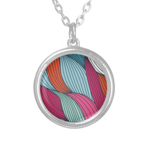 Mulch strands round pendant necklace