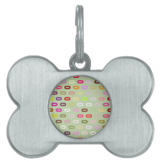 Multi Colors Ovals. Links On Celery Root Green Pet Tag