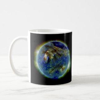 Multi-wavelength Ultraviolet Snapshot of the Sun Coffee Mug
