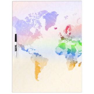 Multicolor arrugada mapa del mundo pizarra