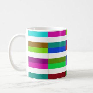 Multihue holandés señala la taza por medio de una