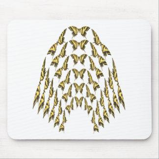 Multitud del este de Swallowtail del tigre que vue Alfombrillas De Ratones