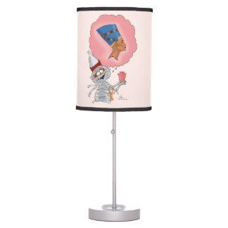 Mummific en amor lámpara de mesa