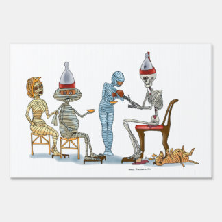 Mummific Skeleton Dinner Yard Sign