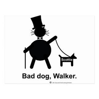 Mún caminante del perro tarjeta postal