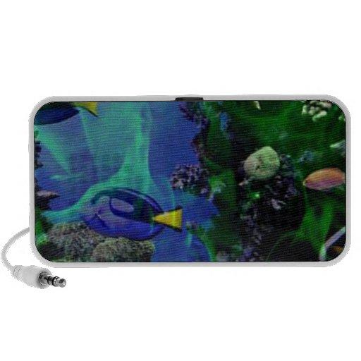 Mundo de fantasía subacuático de pescados altavoces