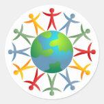 Mundo diverso etiquetas redondas