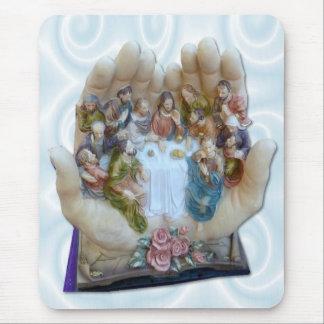 Mundo entero en sus manos - Jesús la última cena Mouse Pads