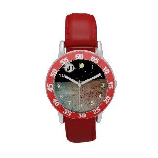 Mundo extranjero con dos soles relojes de mano