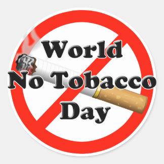 Mundo ningún día del tabaco pegatinas redondas