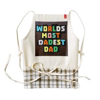 Mundos la mayoría del papá de Dadest Delantal Zazzle HEART