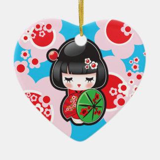 Muñeca de Kawaii Kokeshi Adorno De Cerámica En Forma De Corazón
