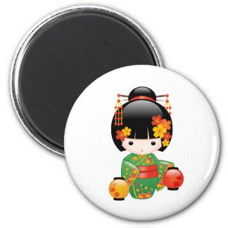 Muñeca de Kokeshi de la caída del japonés Imán Redondo 5 Cm
