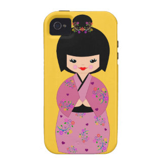 Muñeca de Kokeshi en una cubierta floral del iPhone 4 Fundas