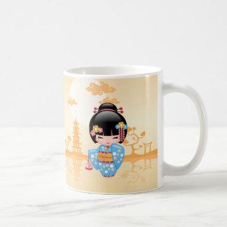 Muñeca de Maiko Kokeshi - chica de geisha japonés Taza Clásica