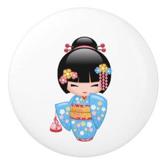 Muñeca de Maiko Kokeshi del japonés