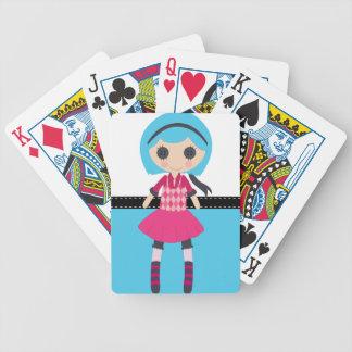 Muñeca de trapo femenina retra barajas de cartas