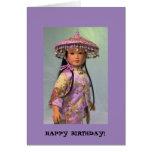 Muñeca del asiático del feliz cumpleaños felicitacion