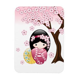 Muñeca japonesa de Kokeshi de la primavera Imanes