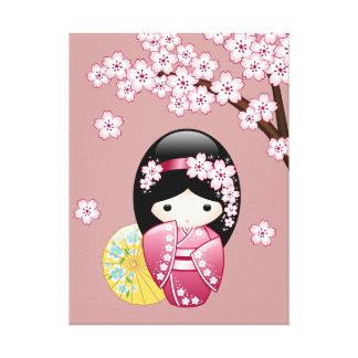 Muñeca japonesa de Kokeshi de la primavera Impresiones En Lienzo Estiradas