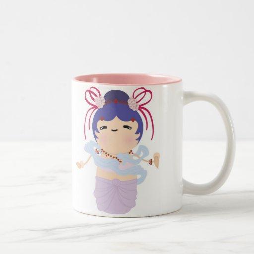 Muñeca japonesa del ángel tazas de café