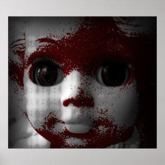 Muñeca muerta viva macabra póster