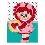Muñeca Raggedy del corazón del el día de San Valen Tarjetas Postales