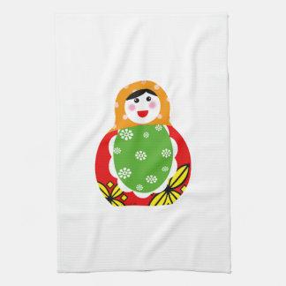 muñeca rusa linda de la jerarquización toalla de mano