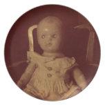 Muñeca vieja plato de cena