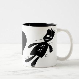 Muñecas del vudú del amor de la paz taza de café