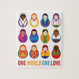 Muñecas multiculturales de la jerarquización un am puzzle con fotos