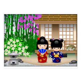 Muñecas y salón de té de Kokeshi Postal