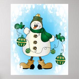 Muñeco de nieve con los ornamentos verdes del posters