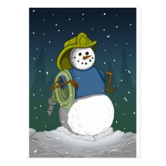 Muñeco de nieve del bombero tarjeta postal