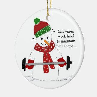 Muñeco de nieve del levantamiento de pesas adorno navideño redondo de cerámica