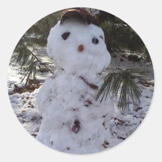 Muñeco de nieve dulce etiqueta redonda