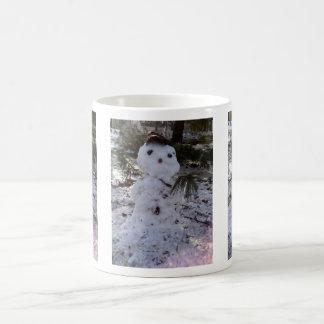 Muñeco de nieve dulce taza de café