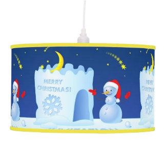 Muñeco de nieve en el gorra de Santa