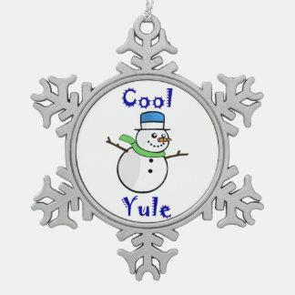 Muñeco de nieve fresco de Yule en sombrero de copa