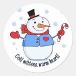 Muñeco de nieve frío de las manoplas etiquetas redondas