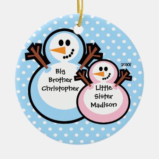 Muñeco de nieve hermano mayor y ornamento del adorno navideño redondo de cerámica